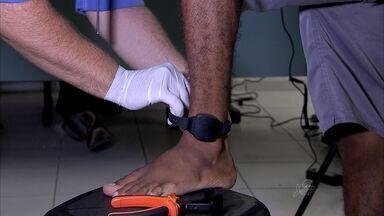 Condenados na Lei Maria da Penha terão de usar tornozeleiras de monitoramento - Medida tem objetivo de reduzir agressão a mulheres.