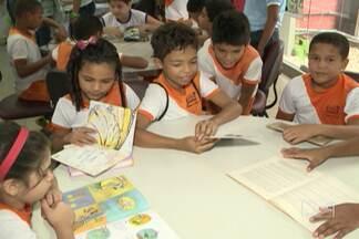 Atrações divertidas incentivam o gosto pela leitura, na Quinzena do Livro Infantil - As obras de monteiro lobato, o maior escritor brasileiro de literatura infantil, são um dos destaques. Há 21 anos, o evento ajuda a incentivar o interesse de meninos e meninas pela leitura.