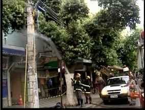 Transformador de energia pega fogo no Centro de Governador Valadares - Curto-circuito pode ter gerado o incêndio que teve início no fim da tarde.