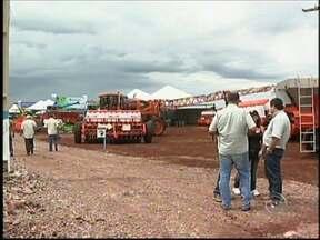 Programação da 'Agrofest Show' vai até sexta-feira em Taquarituba - Segue até sexta-feira (11), em Taquarituba (SP), a primeira feira agropecuária do município, a Agrofest Show. O evento surgiu da necessidade de alavancar a economia da região e aproximar o homem do campo das novidades tecnológicas do mercado.