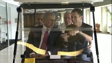 Tiago Leifert e Juvenal Juvêncio fazem tour pelo Morumbi - De saída do São Paulo, presidente se orgulha da modernização do estádio