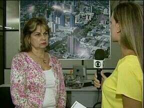 ParanáTV esclarece dúvidas de telespectadores sobre o carnê do IPTU - Dona Maria Nelma, do bairro Cataratas, queria saber o motivo do atrasado nos carnês e porque os boletos foram impressos no Rio de Janeiro.