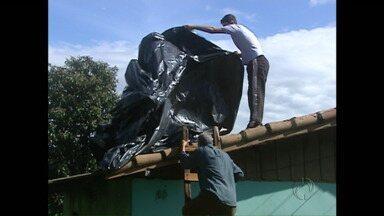 Mais de 1.200 casas são danificadas por chuva de granizo em Ivaiporã - Temporal também derrubou postes e árvores