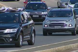 Movimento é intenso nas estradas do Alto Tietê na tarde desta segunda-feira (21) - Rodovias tiveram pontos de lentidão.