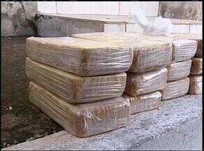 PRF apreende mais de 12 kg de pasta de cocaína escondidas em veículo - PRF apreende mais de 12 kg de pasta de cocaína escondidas em veículo.