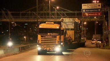 Anel Rodoviário é fechado para passagem de carga pesada - TRecho de oito quilômetros precisou ser interditado