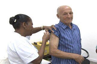Mais de 52 mil pessoas são atendidas no Dia D contra gripe, em Salvador - Veja esse e outros assuntos no giro de notícias.