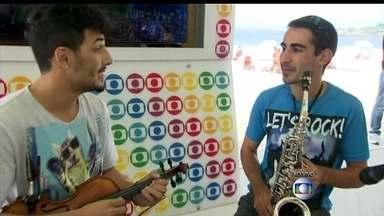 Quiosque da Globo em Copacabana ganha projeto que mistura estilos musicais - O projeto 'Som da Cidade' vai revelar iniciativas musicais de todos os cantos da cidade. O público vai poder conferir os encontros a partir deste domingo (04).