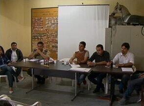 Reunião discute ações para o São João do Alto do Moura, em Caruaru - Evento contou com participação de representantes da prefeitura e da Polícia Militar. Entre os assuntos, a estrutura e localização dos palcos.