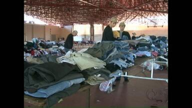 Voluntários entregam doações em Francisco Beltrão - Foram arrecadados mais 50 fogões