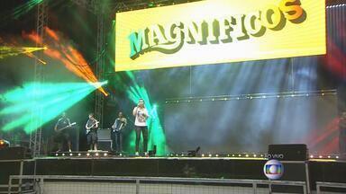 Forró das Antigas agita o Chevrolet Hall, em Olinda - Mastruz com Leite, Magnificos e Limão com Mel participam de show.