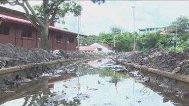 Serviço de limpeza dos bairros atingidos pela cheia do Rio Madeira continuam - Alguns locais secos ainda estão com lixo acumulado.