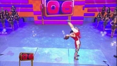 Filipe e Carolin surpreendem a galera com o sapateado acrobático - Divirta-se com as apresentações incríveis deste Domingão!