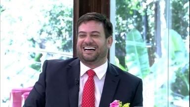 Bruno Astuto conta as novidades de baile de gala em NY - Cantor Leonardo participa do papo animado