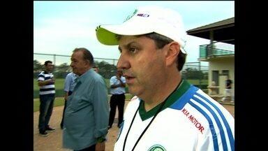 Técnico Gílson Kleina é demitido pelo Palmeiras - Kleina estava no cargo desde setembro de 2012. Durante sua passagem, o Palmeiras alcançou 56 vitórias, 20 empates e 29 derrotas.