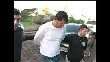 Polícia do Rio Grande do Sul prende mais um suspeito de no assassinato do menino Bernardo - É o irmão de Edelvânia Wirganovicz, amiga da madrasta de Bernardo. Ele foi visto dias antes no local do crime.