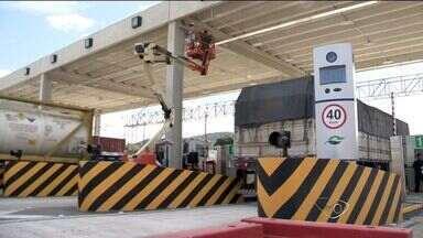 Motoristas se preparam para pagar pedágio nas estradas federais no ES - Cobrança na BR-101 começa no domingo.