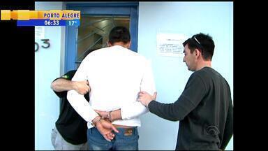 Polícia de Três Passos, RS, irá detalhar a participação dos suspeitos no caso Bernardo - Último suspeito do caso é o irmão de Edelvânia.