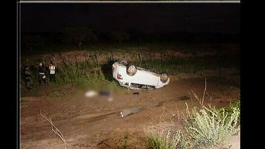 Delegada da cidade de Icapuí sofre acidente de carro na noite desta segunda-feira - Segundo a polícia, ela estava em um carro com mais quatro pessoas indo para o Estado do Rio Grande do Norte. Uma pessoa morreu no acidente.