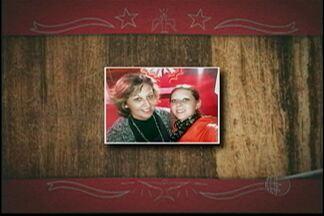 Devotos do Divino enviam fotos através do 'Divina Lembrança' - A menos de três semanas para o início da festa, Gabriela Tavares enviou sua foto com a mãe na quermesse do ano de 2013. Maurício da Silva registrou a Entrada dos Palmitos de 2012.