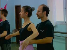 Quatro grupos já estão confirmados para o Festival de Folclore, em Passo Fundo, RS - Um dançarino argentino, que participou de uma edição do festival, agora é morador da cidade.