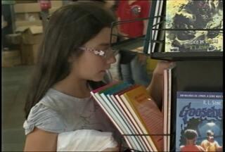 Feira do livro de Santa Maria (RS) vendeu mais de 67 mil exemplares - Organizadores fazem avaliação sobre o evento ao vivo no JA.