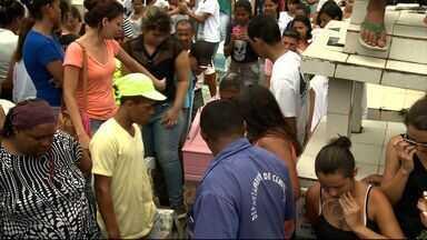 Polícia acredita que assassinato da estudante Dayse Larissa tenha sido motivado por ciúmes - Enterro da estudante morta em frente a uma escola no bairro Santa Lúcia foi realizado nesta quarta-feira (14).