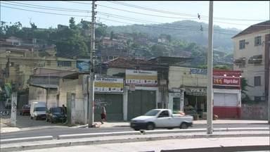 Polícia faz operação na favela da Serrinha - O Globocop flagra homens do batalhão de Rocha Miranda e do Bope em uma operação policial na favela da Serrinha, em Madureira,.