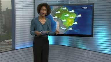 Pode chover forte em grande parte do RS - Santa Catarina e Paraná também podem sofrer com chuva forte ao longo do dia. No fim do dia pode chover até granizo na fronteira do Uruguai com o Rio Grande do Sul.