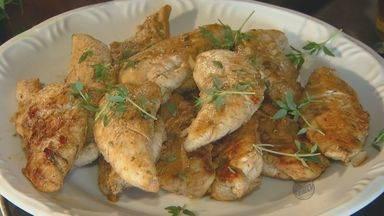 'Prato Feito' ensina receita de iscas de frango - Às vésperas da Copa do Mundo, o 'Prato Feito' ensina nesta semana dicas rápidas para preparar petiscos durante o Mundial.
