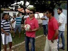 Moradores pedem a reforma e melhorias do campo de futebol do bairro Renascença - Moradores pedem a reforma e melhorias do campo de futebol do bairro Renascença