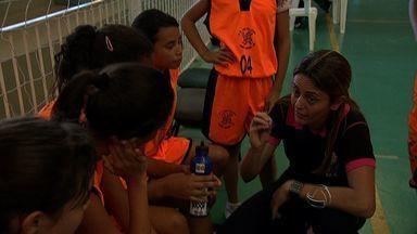 Jogos Escolares de Campo Grande: Veja decisão no basquete feminino - Jogos Escolares de Campo Grande: o repórter Artur Bernardi acompanhou uma decisão no basquete feminino.