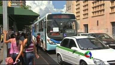 Moradores enfrentam segundo dia de greve de ônibus na Grande Cuiabá - Moradores enfrentaram segundo dia de greve de ônibus na Grande Cuiabá.