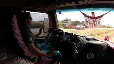 Vaga de motorista de caminhão não atrai muitos candidatos - O mercado oferece atualmente cem mil vagas e o salário pode chegar a R$ 3 mil. As longas jornadas e o perigo tem afastado os candidatos.