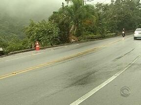 Moradores reclamam dos constantes acidentes no Morro da Lagoa por falta de estrutura - Moradores reclamam dos constantes acidentes no Morro da Lagoa por falta de estrutura