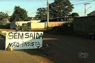Moradores reclamam da insegurança de bairro de Goiânia - PM informou que vai intensificar a ronda com motos, cavalaria e também viaturas.