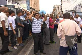 Rodoviários decidem por greve após assembleia em Salvador - Em votação, categoria decidiu por greve a partir das 0h de terça-feira.