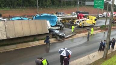 Uma pessoa morre e duas ficaram feridas em acidente - Foi na BR 376, em São José dos Pinhais.