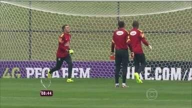 Repórter Fernanda Gentil traz notícias da Seleção Brasileira na Granja Comary - Está previsto treinamento da equipe para a manhã desta quarta-feira (28)