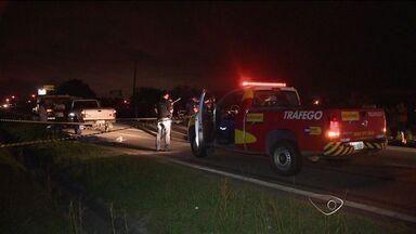 Pedreiro morre atropelado na Rodosol, no ES - Pedreiro atravessava a rodovia à noite, próximo ao bairro Interlagos, em Vila velha.