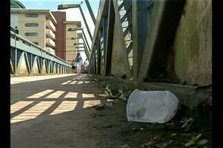 População reclama do mau estado de conservação de passarelas na Grande Belém - Estrutura foi criada para garantir segurança de quem precisa atravessar vias de grande movimento na cidade.
