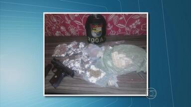 Homem é preso no Cabo com drogas e munição - Na casa dele, os policiais encontraram maconha e cocaína.