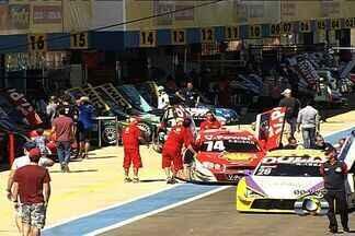 Equipes já estão prontas para etapa goiana da Stock Car - Com autódromo reformado, equipes e pilotos ainda não sabem como carros vão se comportar.