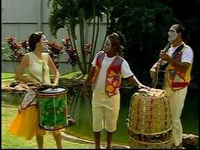 Peça 'Baleio Popular' abre Jornada Cultural de Araxá - Evento mescla teatro, música, oficinas e palestras.