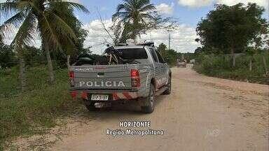 Grupo tenta incendiar casa onde estavam suspeitos de matar três mulheres em Horizonte - Mulheres foram mortas em um matagal há uma semana.
