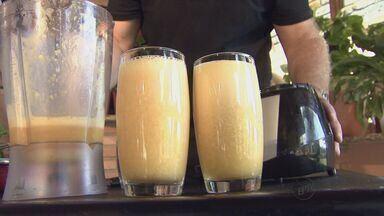 Fernando Kassab ensina a fazer bebida com tangerina e abacaxi - Fernando Kassab ensina a fazer bebida com tangerina e abacaxi.