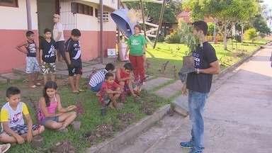 Projeto da Guarda Municipal de Macapá ensina crianças noções de meio ambiente - AS CRIANÇAS SÃO MAIS SENSÍVEIS E ABSORVEM MAIS RÁPIDO AS INFORMAÇÕES. POR ISSO SÃO IDEAIS PARA MULTIPLICAR CONHECIMENTOS SOBRE PRESERVAÇÃO DO MEIO AMBIENTE. É NISSO QUE APOSTA UM PROJETO DA GUARDA MUNICIPAL ESTÁ PERCORRENDO AS ESCOLAS PÚBLICAS.