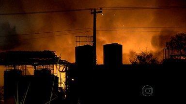 Após 6 horas, incêndio que destruiu fábrica de Pedro Leopoldo, na Grande BH, é controlado - Foi a segunda vez em menos de um ano que o local pegou fogo.