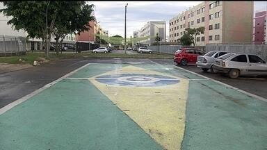 """Concurso de """"quadra mais bonita"""" agita moradores no Cruzeiro - No Cruzeiro, um concurso está agitando os moradores. Ganha a disputa quem deixar a quadra mais bonita."""