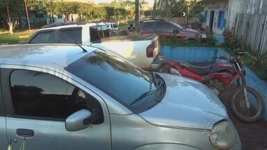 Veículos roubados são recuperados em Apuí, no AM - Carros foram encontrados durante operação da PM; veículos tinham placas de Porto Velho e Goiânia.